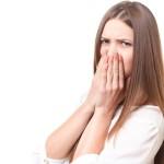 隣の席の人が臭い時にすべき8つの対策